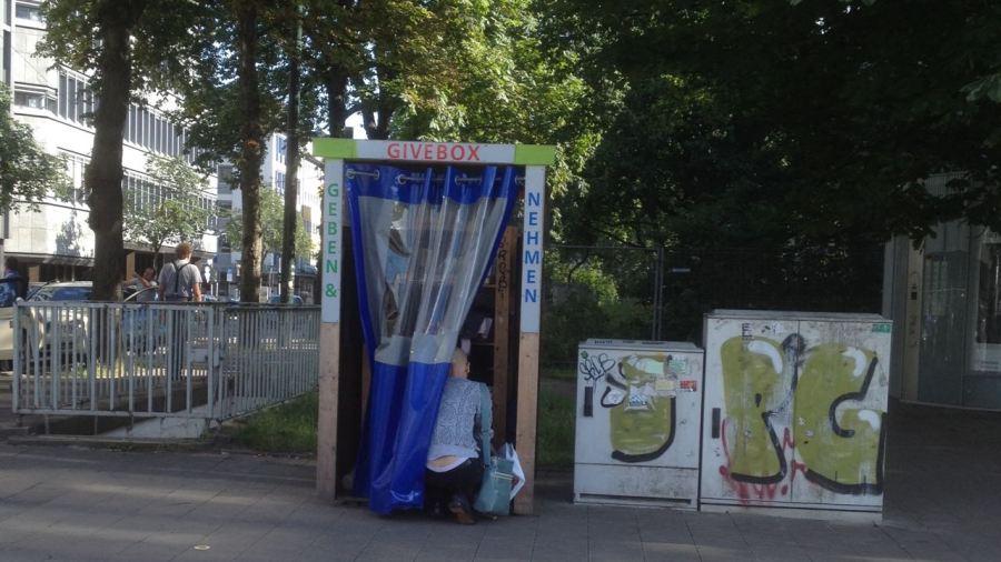 Neue Givebox für den Kirchplatz