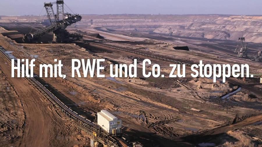 Menschenkette gegen Kohle im Braunkohle-Tagebau Garzweiler II
