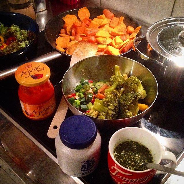 Das Abendessen brutschelt fröhlich vor sich hin…