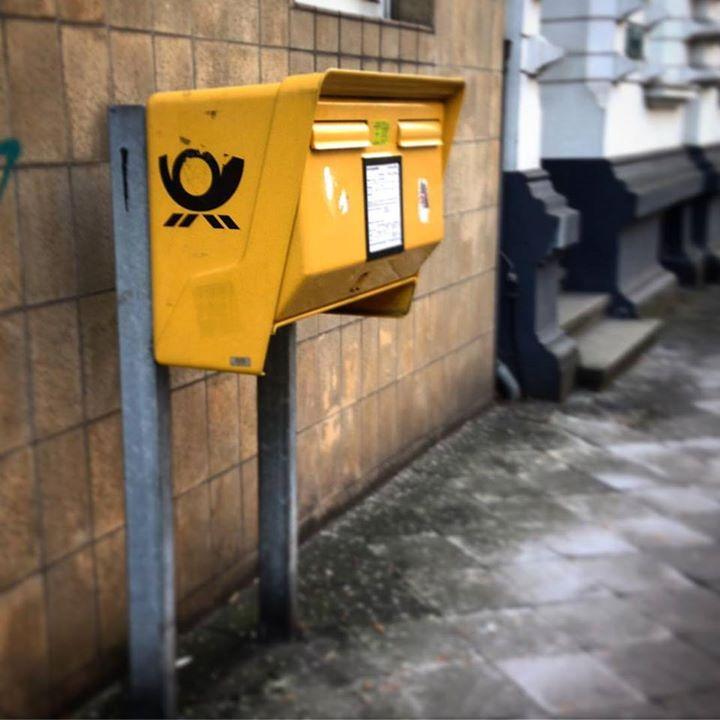 'Entlaufende' Briefkasten ist wieder zurück.
