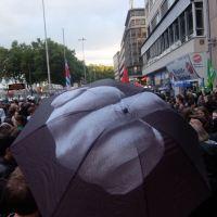Nachbarschaft gegen Rassismus - Gegen die Lesung von Thilo Sarrazin im FeinStil .