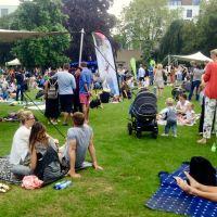 Picknickdecke mit DJ & Streetfood - Parklife 2017