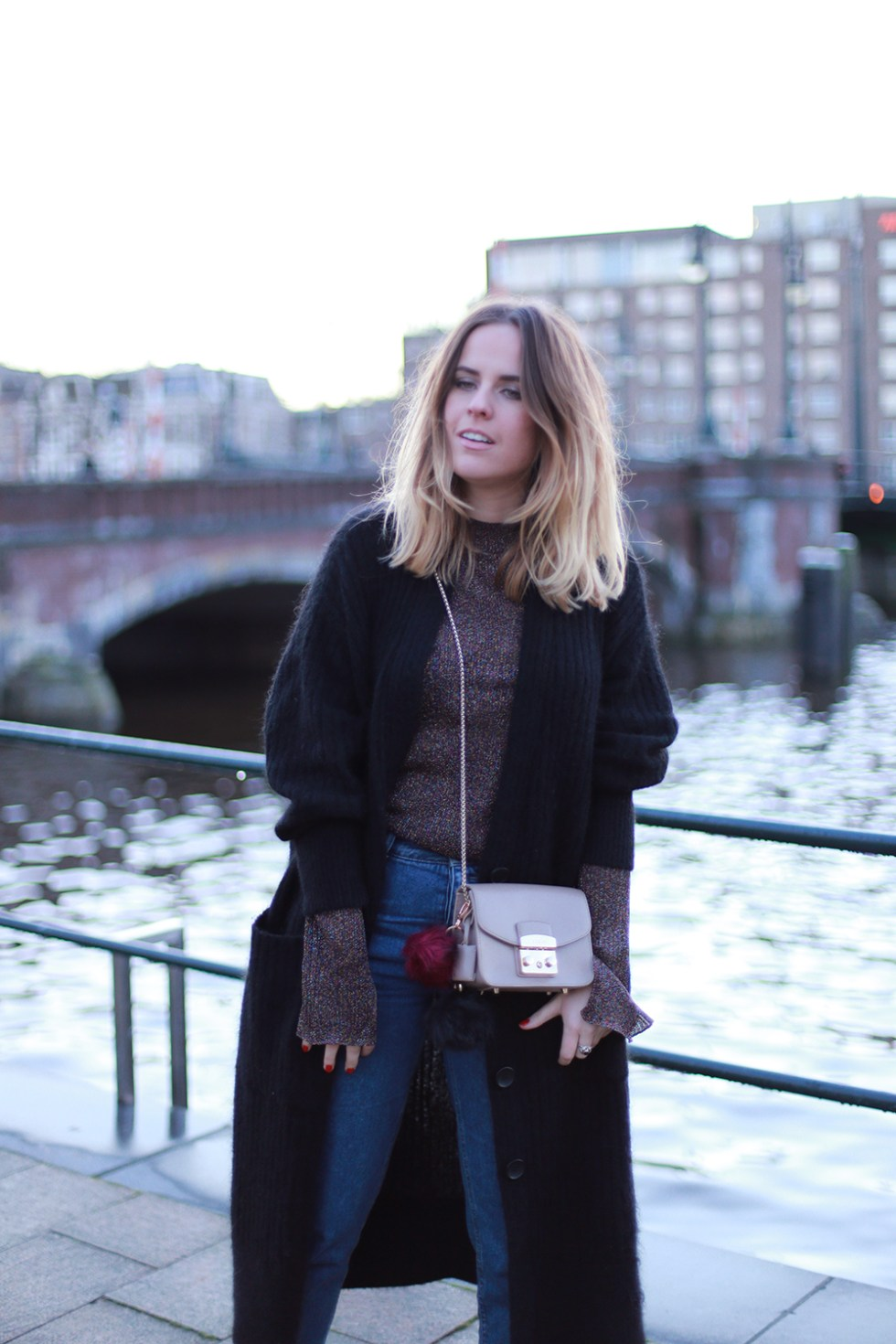 billie-rose-blog-outfit-hm-trend-cardigan-topshop-boots-amsterdam-mom-jeans-3