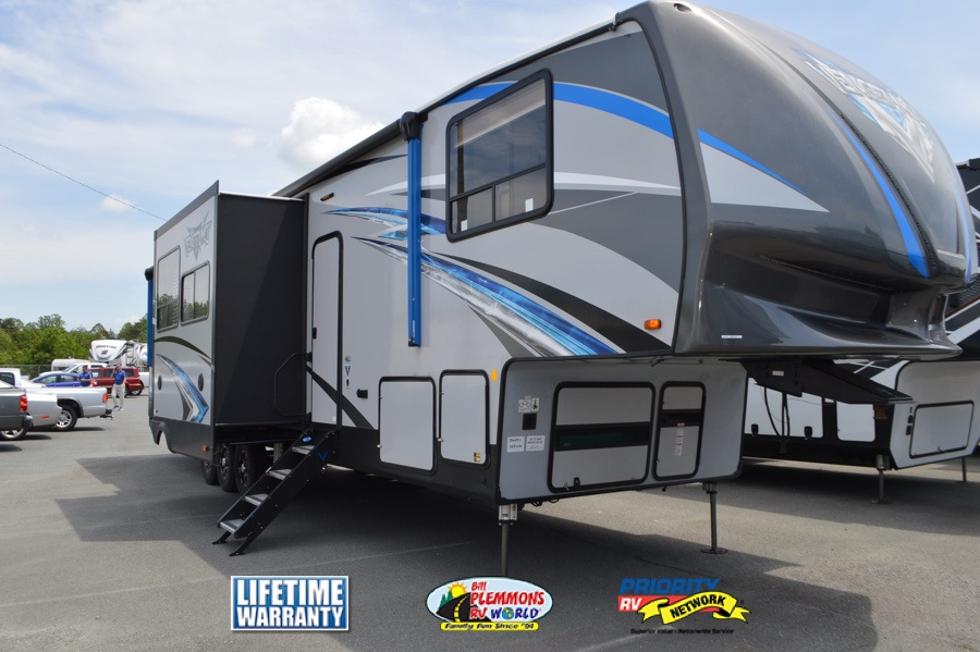 benefits of owning a toy hauler rv