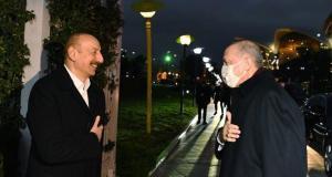 Axios: Aliyev, Türkiye ile İsrail'in arasını düzeltmeye çalışıyor