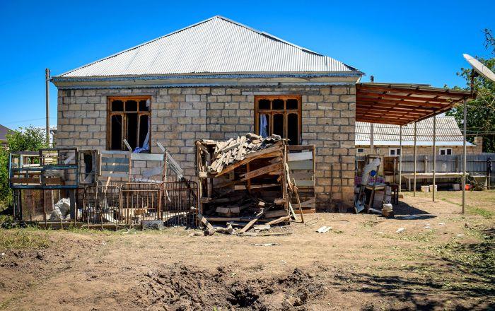 Azerbaycan: Ermeniler sınırdaki köyleri hedef alıyor