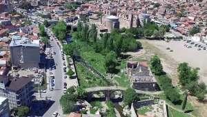 Bergama'da antik kanal gün yüzüne çıkıyor