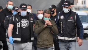 Ceyhan'da rüşvet operasyonu: Eski belediye başkanı dahil 5 kişi tutuklandı