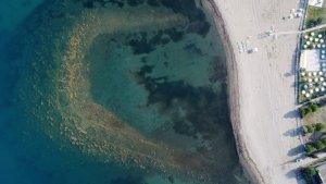 Deniz çekildi, tarihi liman ortaya çıktı