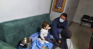 Düdüklü Tencereye Sıkışan Bebeği İtfaiye Kurtardı