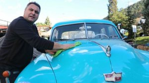 Eski araçları bulup klasik otomobile dönüştürüyorlar