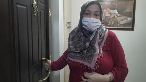 Fatih'te 2 kişi bir kadını spreyle bayıltıp, evdeki altınları çaldılar!