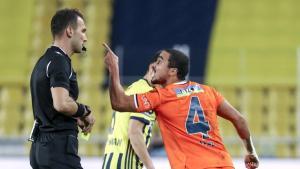 Fenerbahçe maçında kırmızı kart gören Rafael'in cezası kaldırıldı