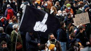 Fransa'da koronavirüs kısıtlamaları protestosu