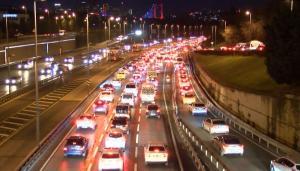 Haftanın ilk iş günü trafik yoğunluğu