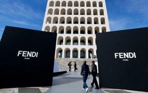 İtalyan moda devi Fendi'den Bağcılar'daki şalcıya dava: Ürünler imha edilecek