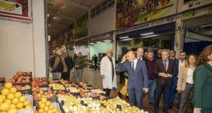 İzmir Büyükşehir Belediyesi, koronavirüs nedeniyle kira alacaklarını 3 ay erteledi