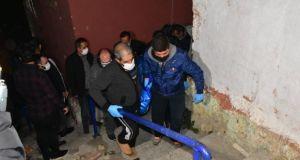 İzmir'de kadın cinayeti: Cesedi kilere sürükleyip yorgan ve halıyla gizledi