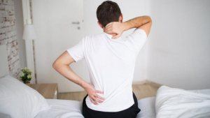 Koronavirüs sırt ağrısı yapar mı? Şiddetli sırt ağrısı koronavirüs belirtisi midir?