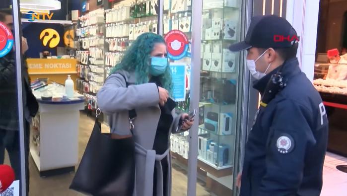 Maske Takmadığı Gerekçesiyle Polisin Kimlik İstediği Vatandaş: 'Başlarım Şimdi Senin Şovuna'