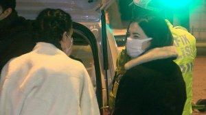 Maskesiz polise yakalanan turist kesilen cezayı gülerek karşıladı