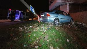 Müşterinin aracıyla drift atıp polisten kaçtı kaza yapınca yakalandı