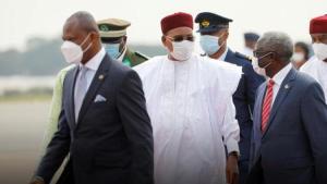 Nijer'de seçimin akabinde oylar toplanıyor