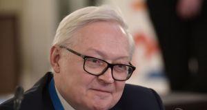 Ryabkov: ABD ile stratejik 'denklem' nükleer ve nükleer olmayan silahları içermeli