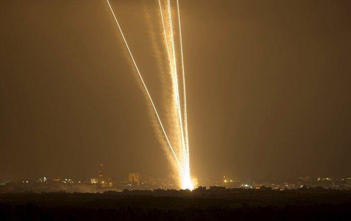 SANA: İsrail uçakları Lübnan hava sahası üzerinden Humus'a saldırı düzenledi
