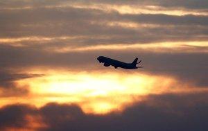 Sosyal mesafe nedeniyle uçmak daha pahalı olacak