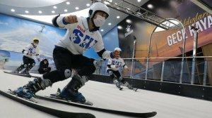 Türkiye'de tek: Kar olmasa da kayak yapabiliyorlar