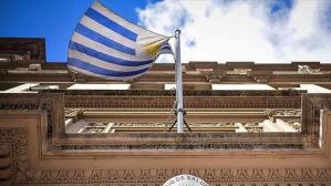 Uruguay Kovid-19 salgını nedeniyle süreksiz hudut kapatma kararı aldı