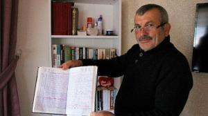 Veresiye defteri gibi: 12 yıldır köyünde ölenleri deftere yazıyor