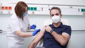 Yunan Başbakan Miçotakis'e koronavirüs aşısı tepkisi!