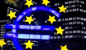 """Euro Bölgesi, aşıdaki yavaş seyirle """"çift dipli resesyonun"""" eşiğinde"""