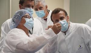 Fransa'nın aşı kampanyası alay konusu oldu