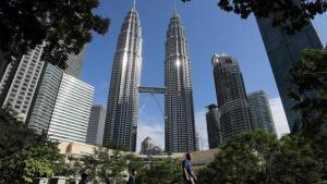 Malezya'nın İktisat Bakanı Mustafa Muhammed'in koronavirüs testinin müspet çıktığı tabir edildi
