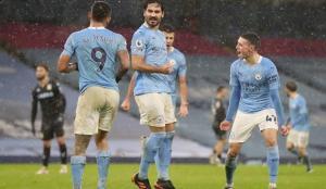 Manchester City 6'da 6 yaparak, averajla liderliğe yükseldi