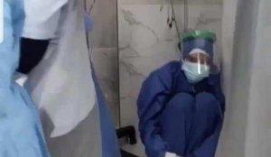 Mısır'da Kovid-19 hastalarının oksijen tüpü yetersizliği nedeniyle hayatını kaybetti