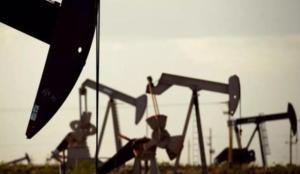 Petrol stok verileri öncesi geriledi