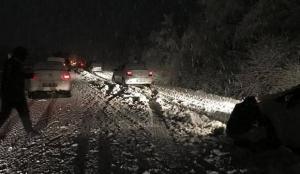 Sivas-Tokat karayolunda ulaşıma kar engeli: Araçlar mahsur kaldı