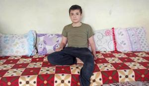 13 yaşındaki Ahmet yatalak kalmak istemiyor