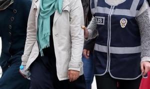 """Adana'da FETÖ'nün """"sohbet ablası""""na 6 yıl 10 ay 15 gün hapis cezası verildi"""