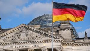 Almanya'da Kovid-19'dan ölenlerin sayısı 65 bini geçti