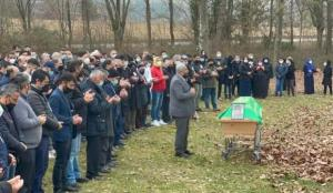 Almanya'da öldürülen 13 yaşındaki Sinan Toptik toprağa verildi