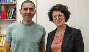 Almanya'da Prof. Dr. Uğur Şahin ve Dr. Özlem Türeci'ye liyakat nişanı verilecek