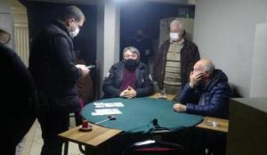 Berberden girilen kahvehaneye polis baskını; 22 kişiye 69 bin TL ceza