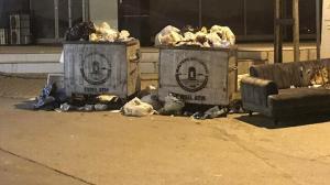 CHP'li belediyede grev krizi: Maltepe'de çöp dağları yükseldi