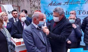 CHP'ye Sincan'da 465 yeni üye: Rozetleri Oğuz Kaan Salıcı taktı