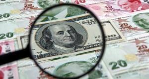 Ekonomistler yanıtladı: Dolar neden düşüyor, ithal mallarda fiyatlara yansıyor mu?